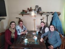 Miriam y Marisa con las autoridades eduactivas en Finlandia